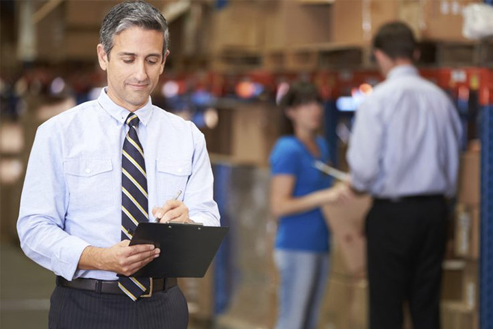 Lawyer on site at a retal or warehouse location